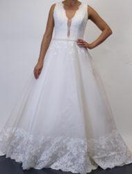 Modeca trouwjurk Blossom met kanten rug maat 40