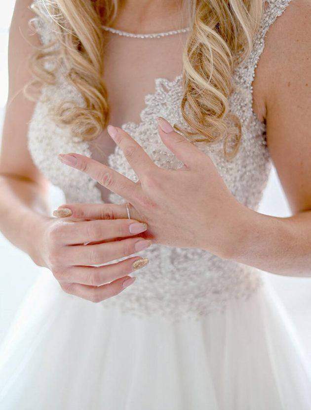 tweedehands prinsessentrouwjurk met steentjes