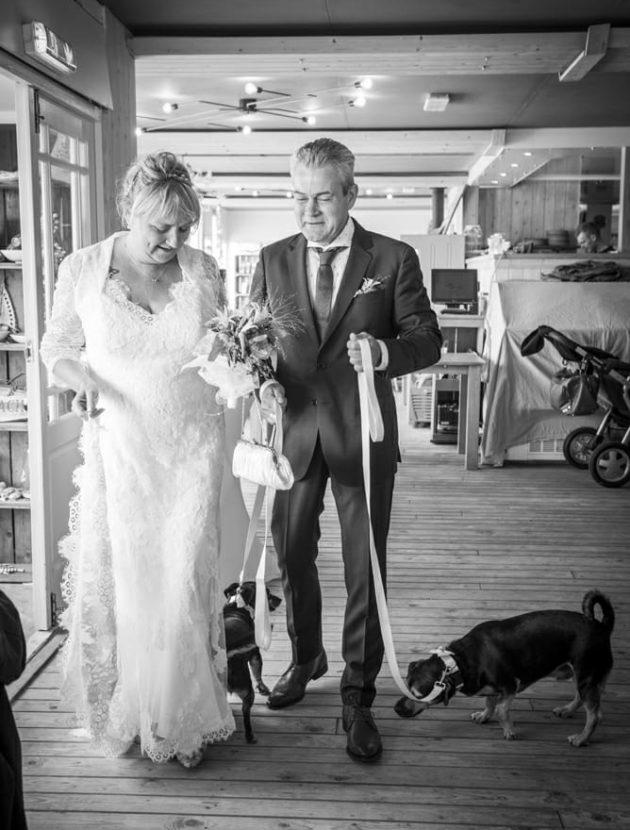 Bijzonder Mooie Kanten Trouwjurk Gedragen Op Bruiloft Op Het