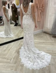 White april bridal trouw jurk.