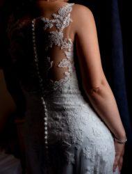 Prachtige trouwjurk van Ladybird met mooi bewerkte rug