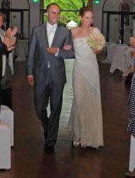 Romantisch ivoorwitte trouwjurk van kant van Valentino