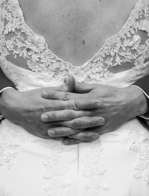 Prachtige handgemaakte witte trouwjurk